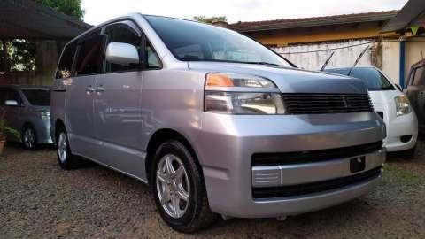 Toyota voxy 2003 full equipo recien importado - 0