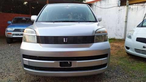 Toyota Voxy 2003 - 1