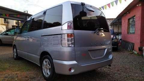 Toyota Voxy 2003 - 5