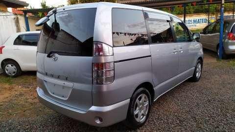 Toyota voxy 2003 full equipo recien importado - 6