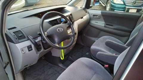 Toyota Voxy 2003 - 7