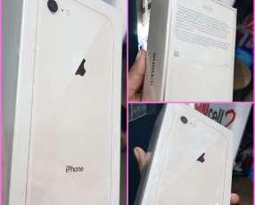 IPhone 8 Plus de 64gb en caja sellado + protectores ANTISHOK