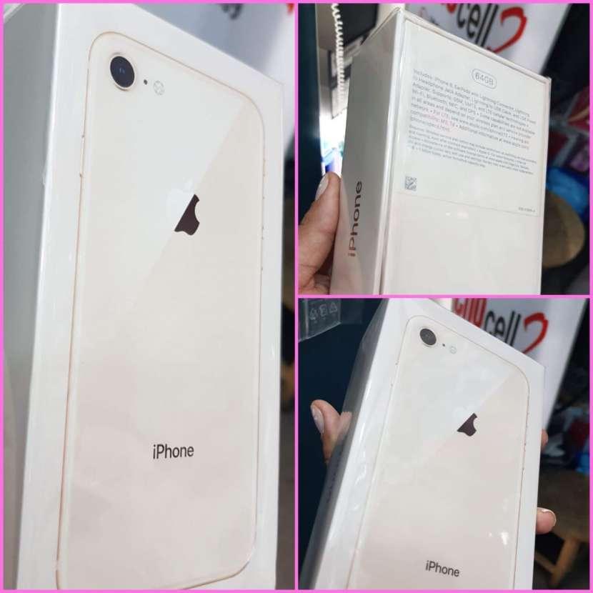 IPhone 8 Plus de 64gb en caja sellado + protectores ANTISHOK - 0