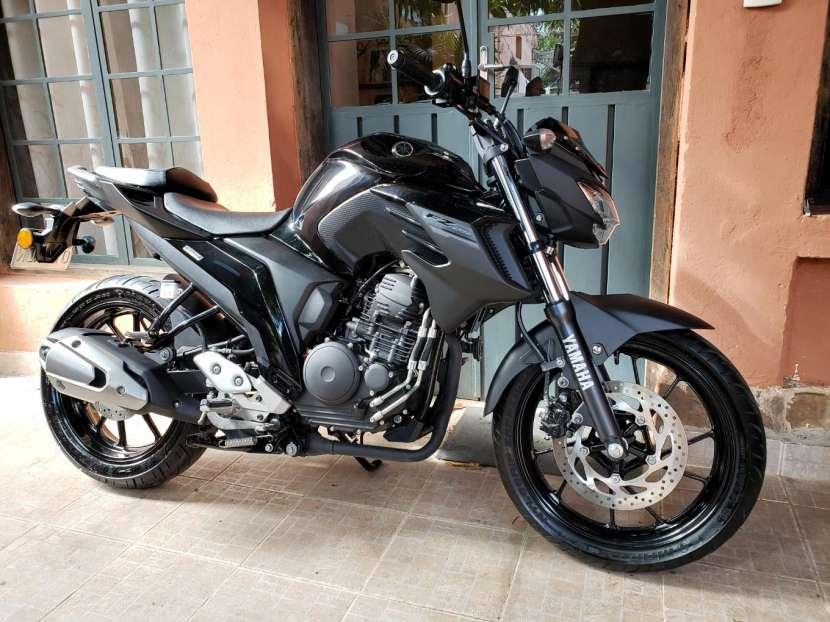 Moto Yamaha FZ25 2018 - 0