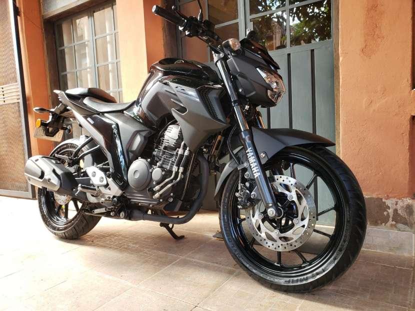 Moto Yamaha FZ25 2018 - 2