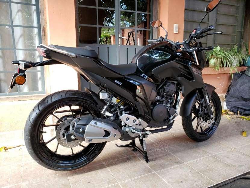 Moto Yamaha FZ25 2018 - 3
