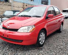 Toyota Platz 2002 rojo
