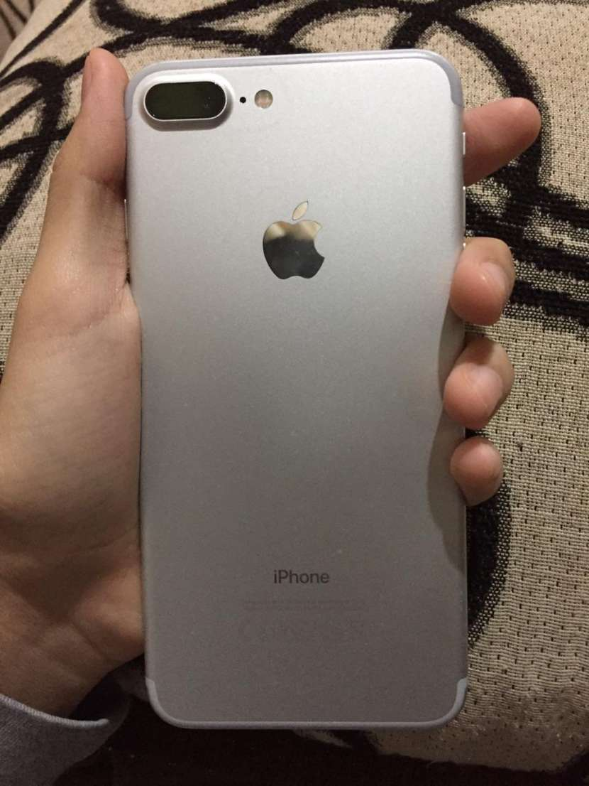 iPhone 7 plus - 0