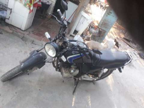 Moto Yamaha - 1