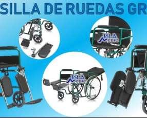 Silla de ruedas con relajación de espalda y piernas green C