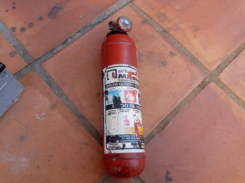 Gato autoradio extintor y llave de rueda - 2