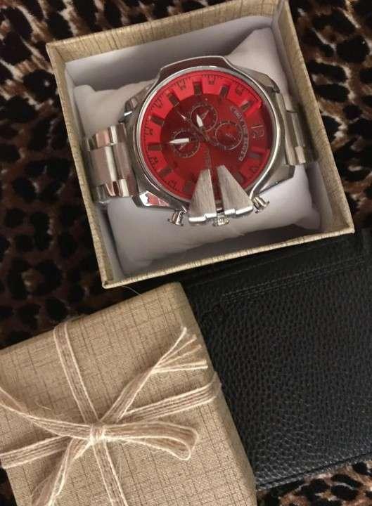 Reloj diésel y billetera - 0