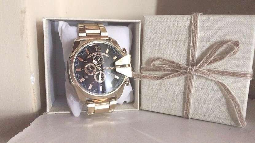 Reloj diésel y billetera - 2