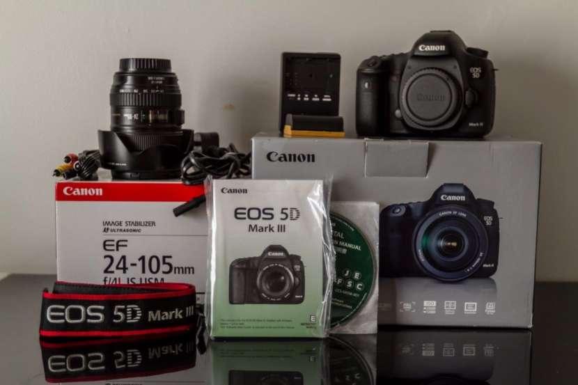 Cámara Canon EOS 5D Mark III Body /w Kit - 0