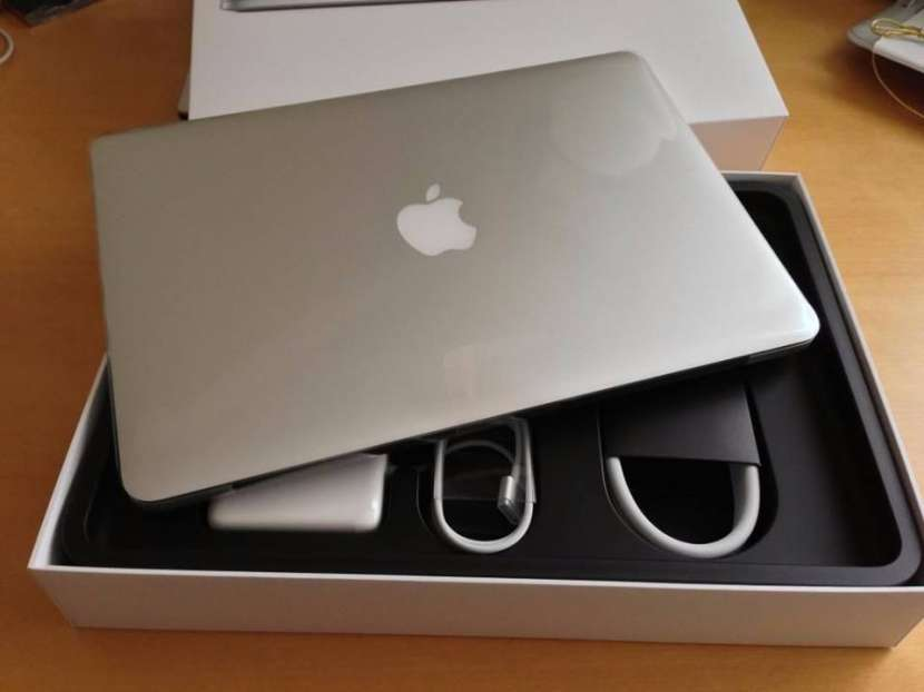 Macbook Pro 15.4 Retina i7 2.8 GHZ - 0