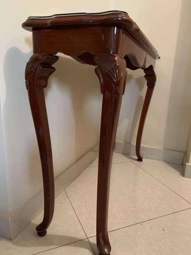 Mesa de cedro de estilo francés - 1