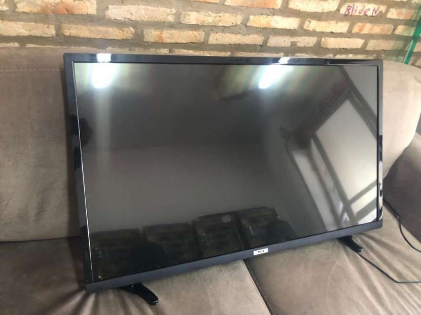 TV LED Tokyo de 43 pulgadas - 1