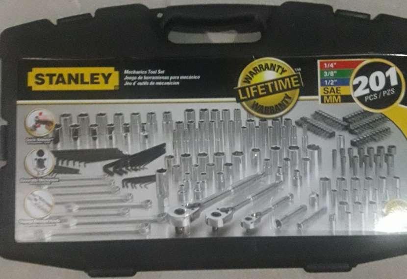 Caja de herramientas Stanley 201 piezas - 0