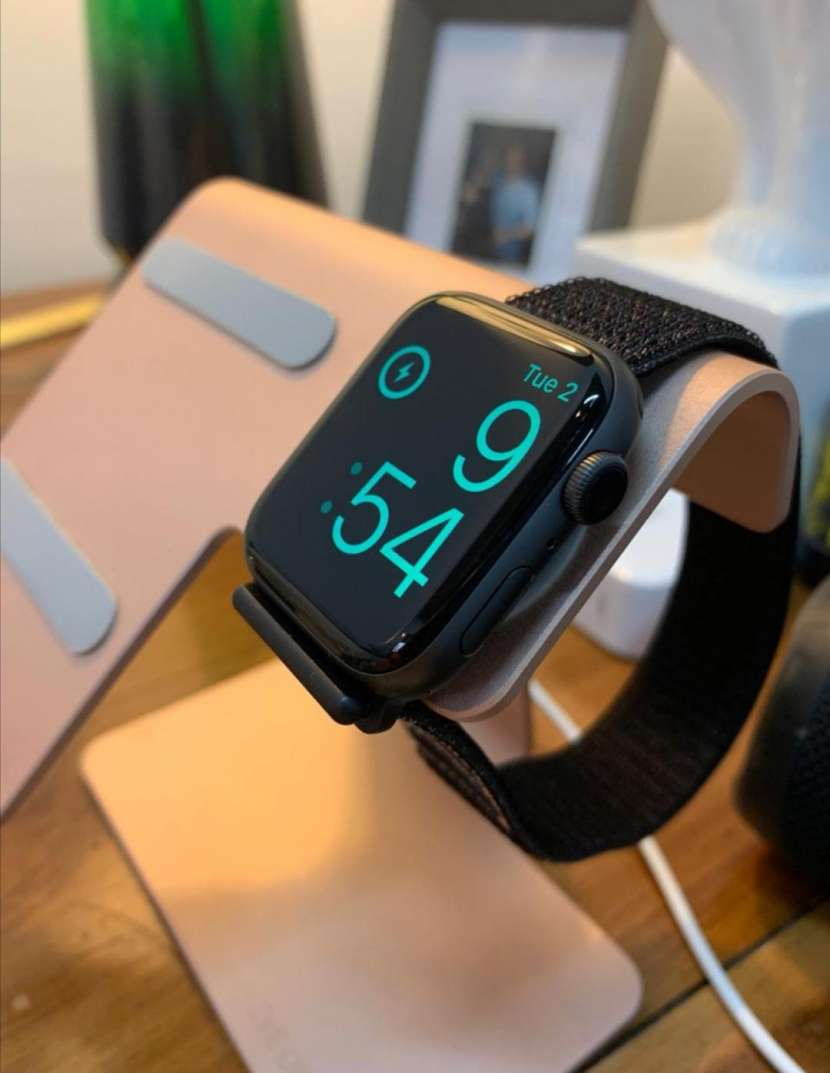 Apple Watch Serie 4 de 44mm - 0