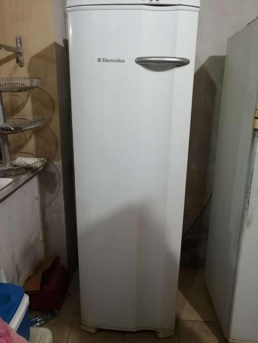 Congelador Vertical - 1