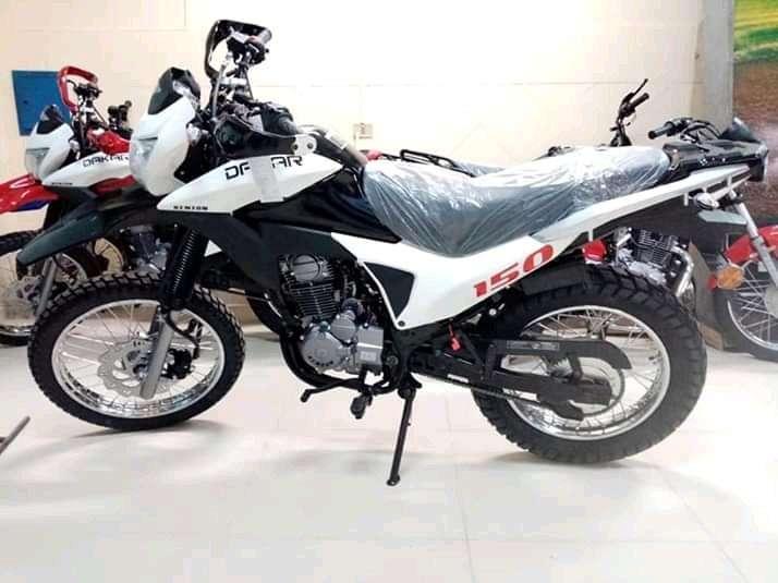 Moto Kenton - 4
