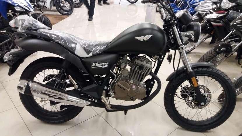 Moto Kenton - 6