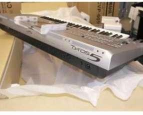 Teclado Yamaha Tyros 5-76 - Arranger Workstation, Synth Action Keys
