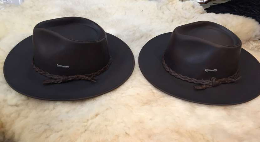 Sombrero lagomarsino de pana y nobuck. - 3