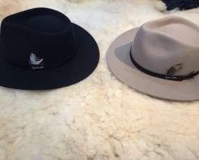 Sombrero lagomarsino de pana y nobuck.