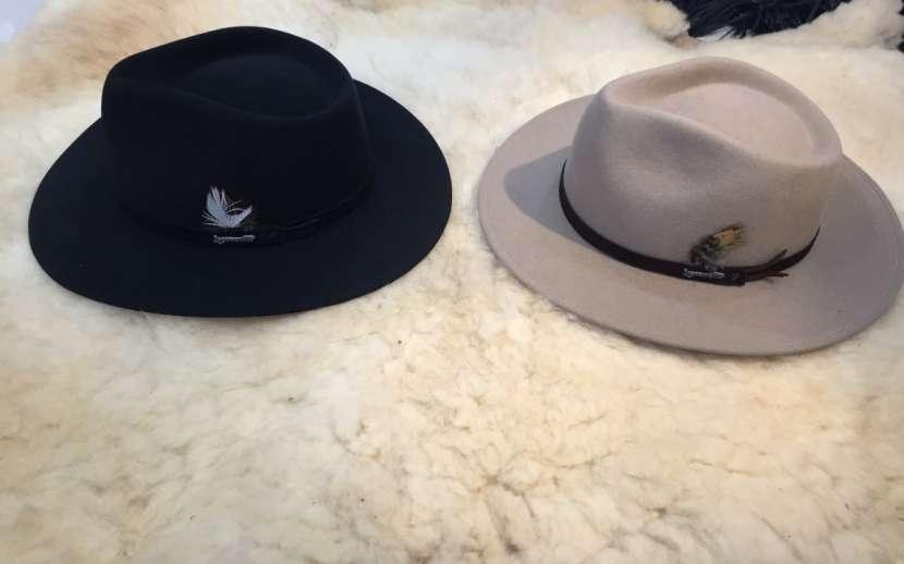 Sombrero lagomarsino de pana y nobuck. - 0