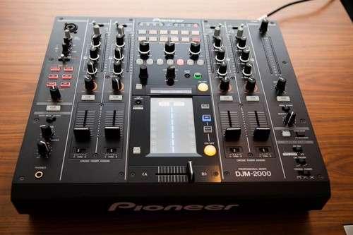 2 Pioneer CDJ2000 y 1 DJM2000 - 3