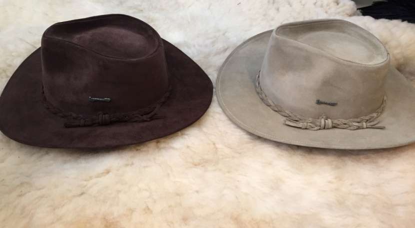 Sombrero lagomarsino de pana y nobuck. - 4