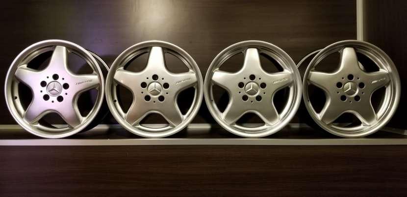 Llantas aro 17 AMG originales de Mercedes - 0