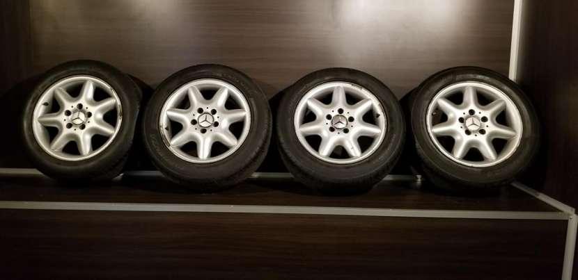 Llantas aro 16 originales de Mercedes - 1