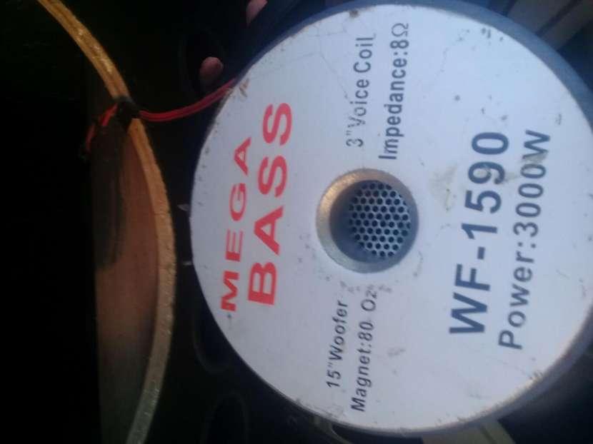Cajas con parlantes de 15 pulgadas mega bass - 1