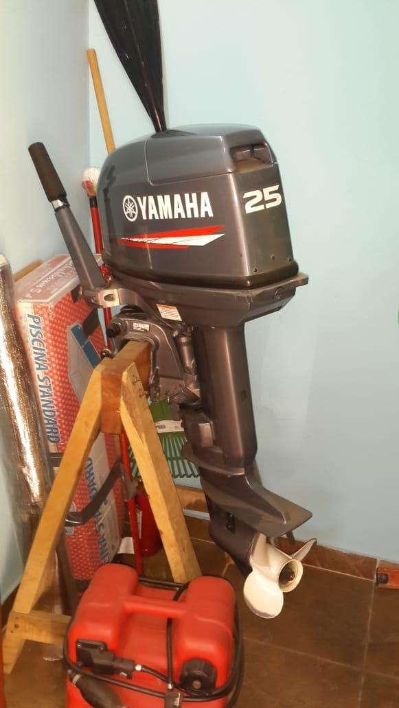 Motor Yamaha 25 HP - 1