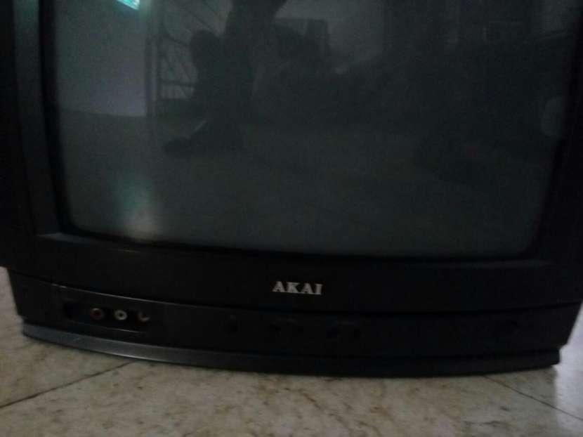 TV AKAI - 1