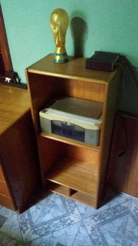 Juego de escritorio con estantes - 1