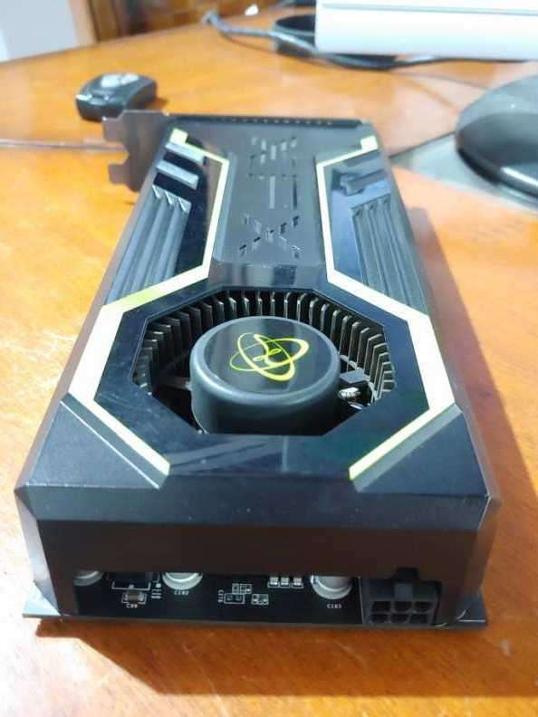 GeForce GTS 250 - 1