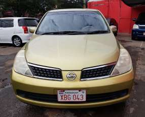 Nissan Tiida 2005