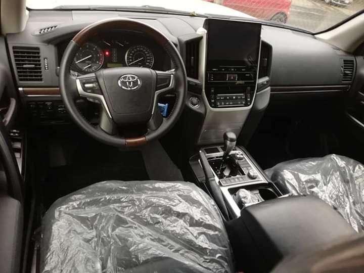 Toyota Land Cruiser VX 2018 - 5