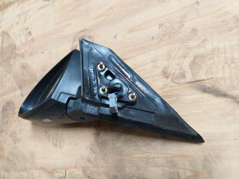 Retrovisor de Nissan Wingroad Y11 - 3