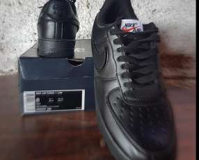 Calzado Nike Air Force calce 41,5