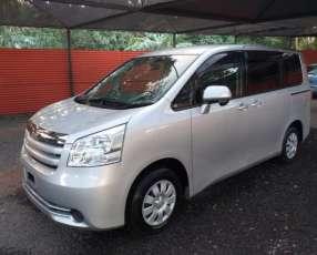 Toyota noah 2008 recien importado