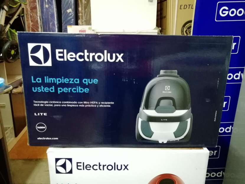 Aspiradora Electrolux 1400W - 0