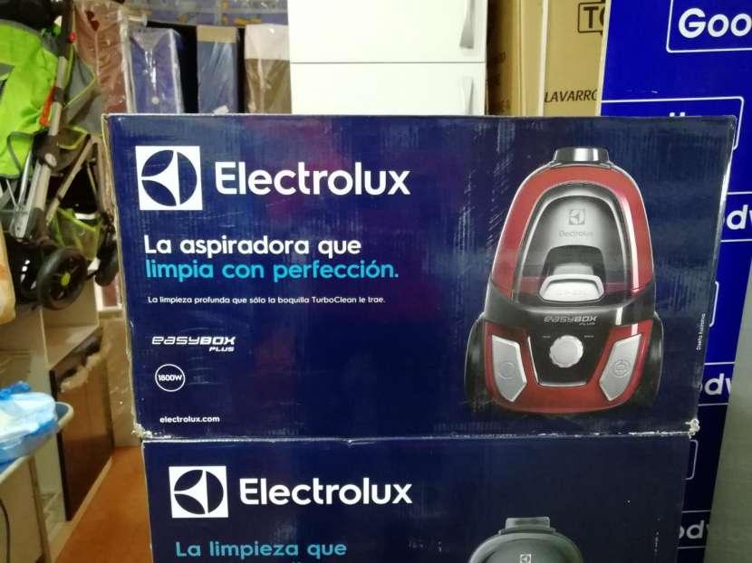Aspiradora Electrolux 1800W - 0