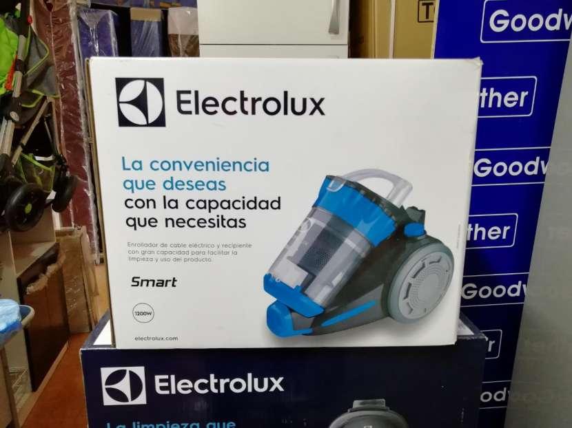 Aspiradora Electrolux 1200W - 0
