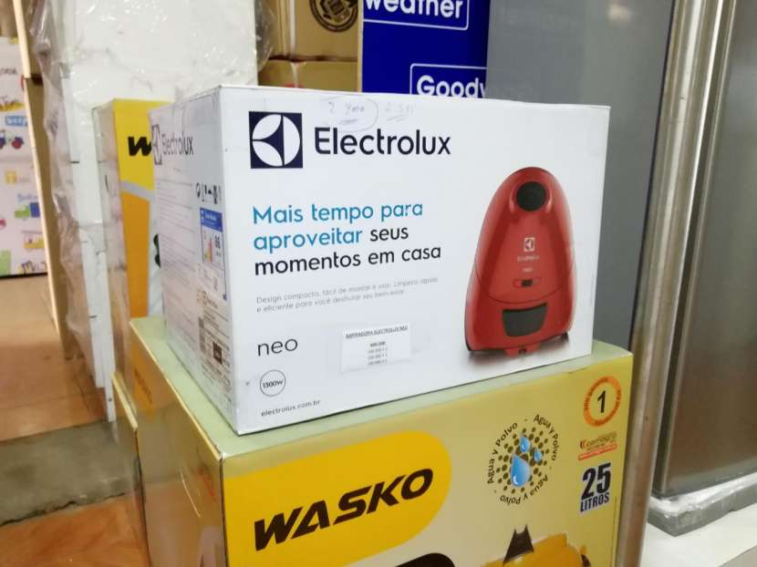 Aspiradora Electrolux 1300w - 1