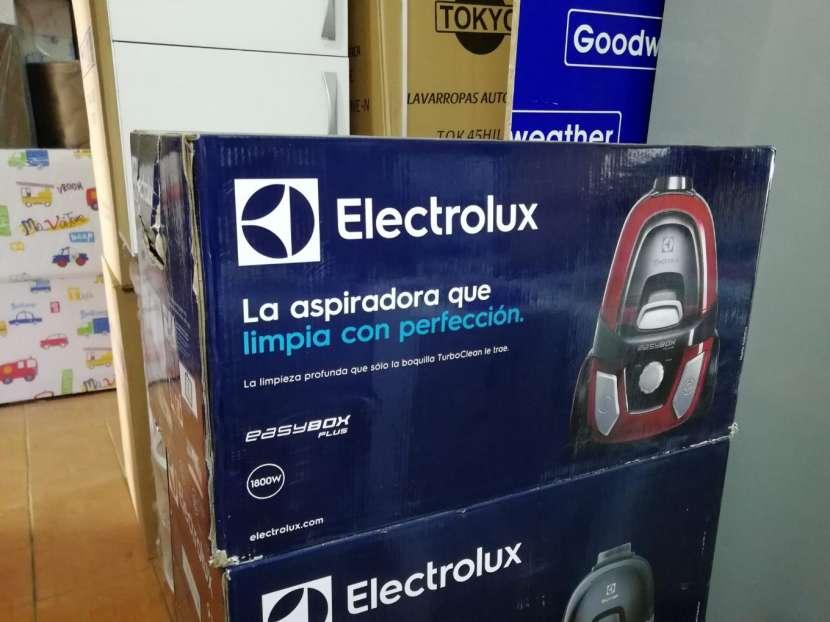 Aspiradora Electrolux 1800W - 1