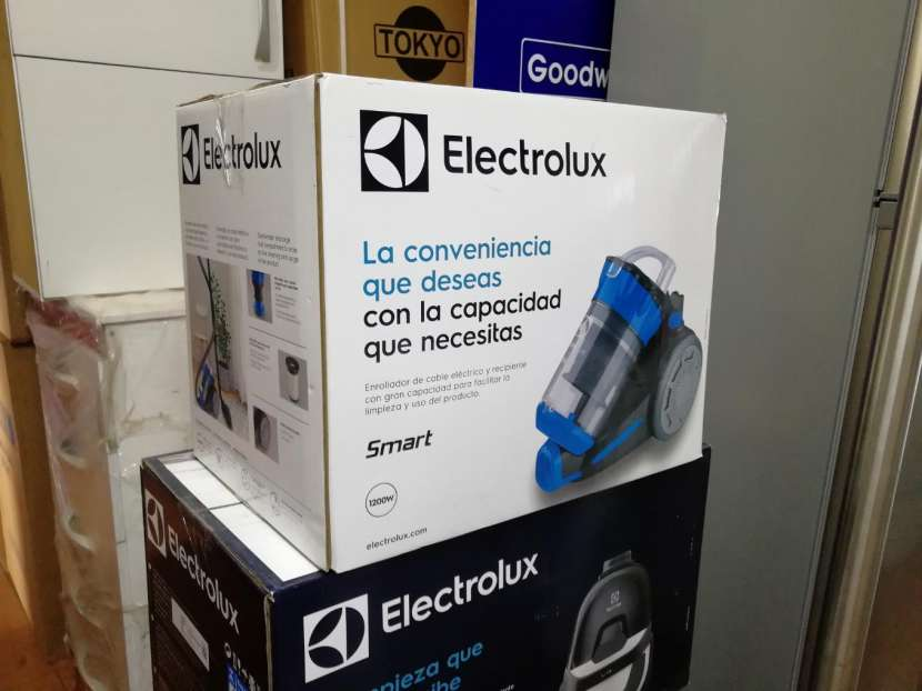 Aspiradora Electrolux 1200W - 1